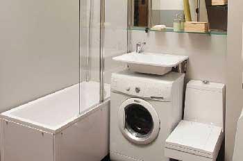 Раковина над стиральной машинкой, как вариант для маленького санузла