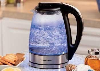 Как очистить электрический чайник от накипи: рассмотрим разные способы