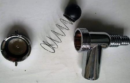 Обратный клапан в разобраном виде