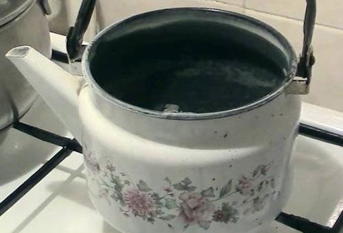 Очистка накипи внутри чайника